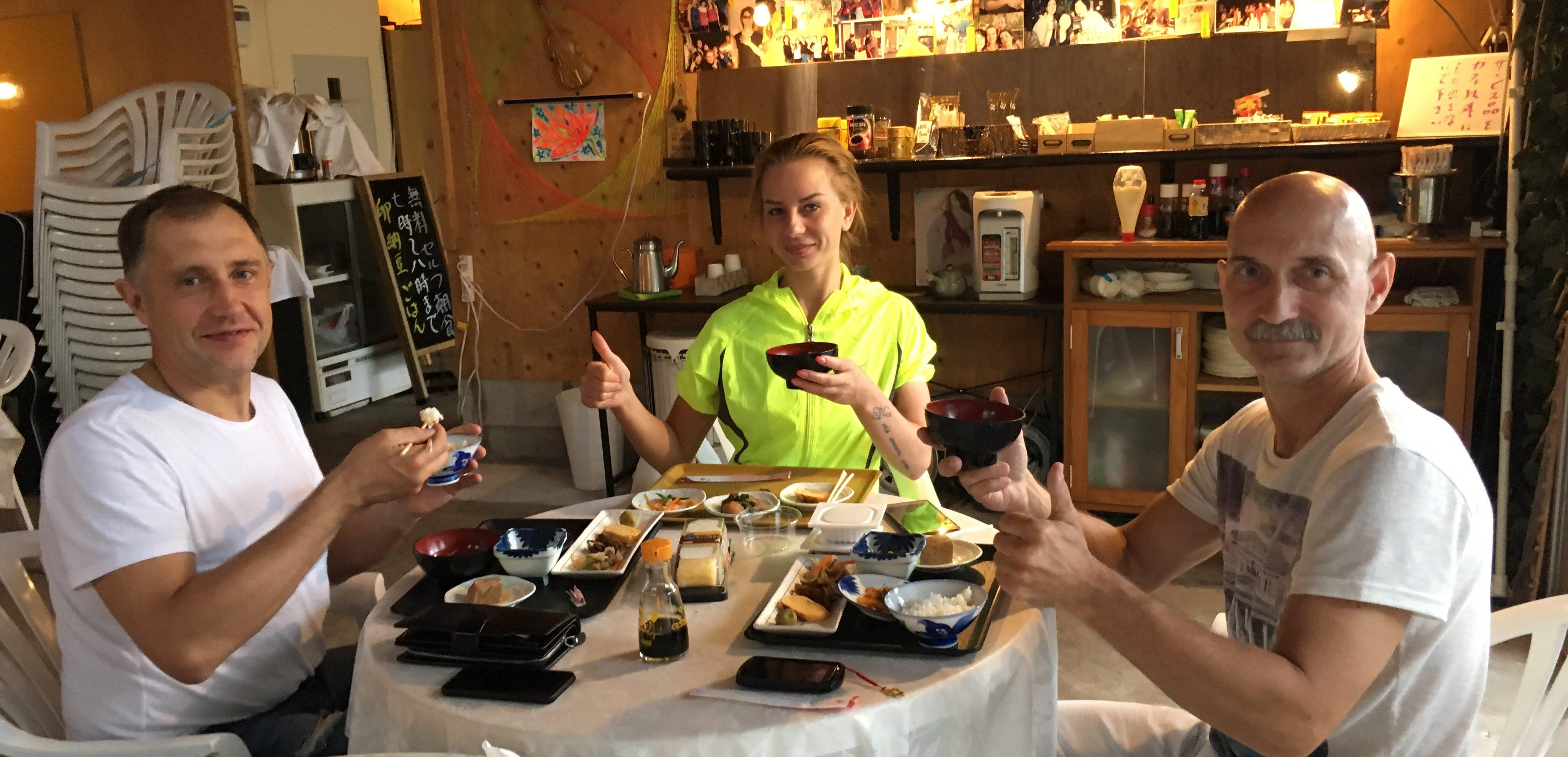 日本の食事でおもてなし